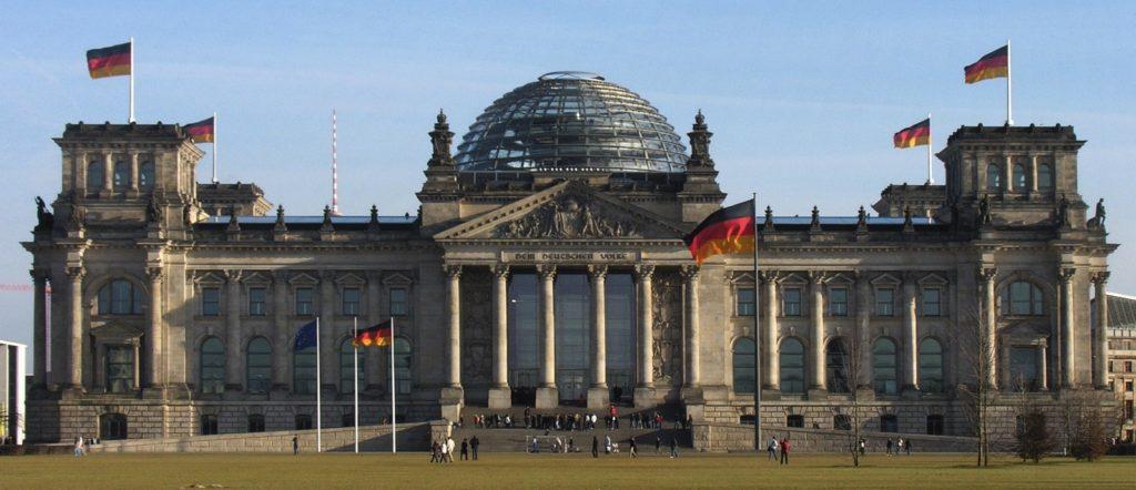 Der_Deutsche_Bundestag_Plenarsaal-Gebäude_Reichstagsgebäude_Platz_der_Republik_Berlin_-_Foto_2009_Wolfgang_Pehlemann_Steinberg_DSCN9832